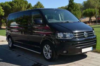 Minivan Volkswagen Caravelle / 8 Plazas incluido el conductor