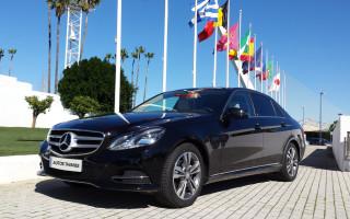 Mercedes-Clase-Elegant 220 / 5 Plazas incluido el conductor